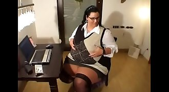 BBW Secretary Blowjob At Work
